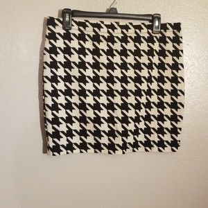 Candies Houndstooth skirt size juniors large